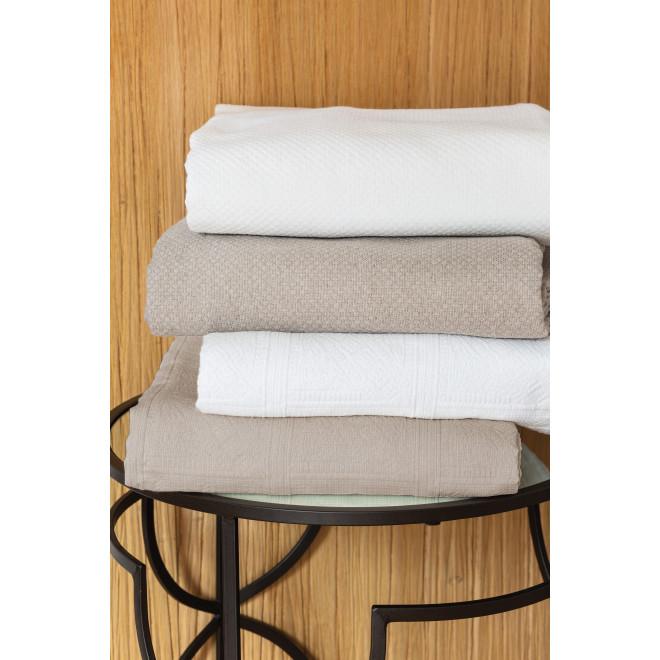Couvre lit en piqué de coton motif jacquard, 80% coton 20% polyester